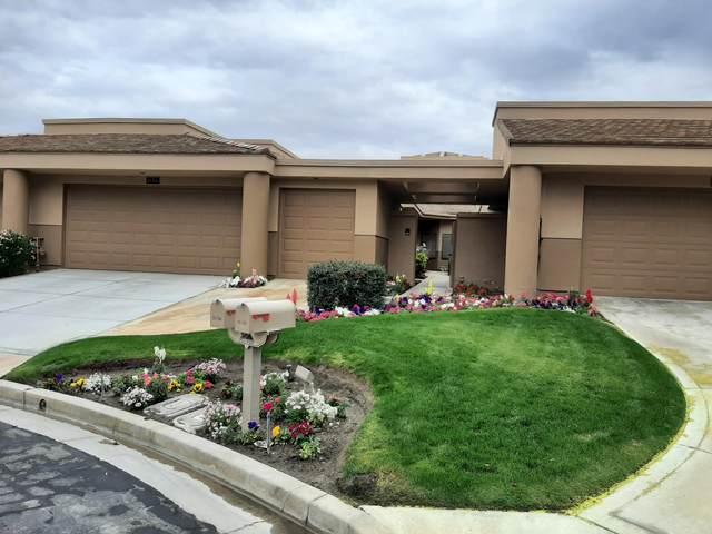 55764 Oak-Tree, La Quinta, CA 92253 (MLS #219056007) :: Mark Wise   Bennion Deville Homes