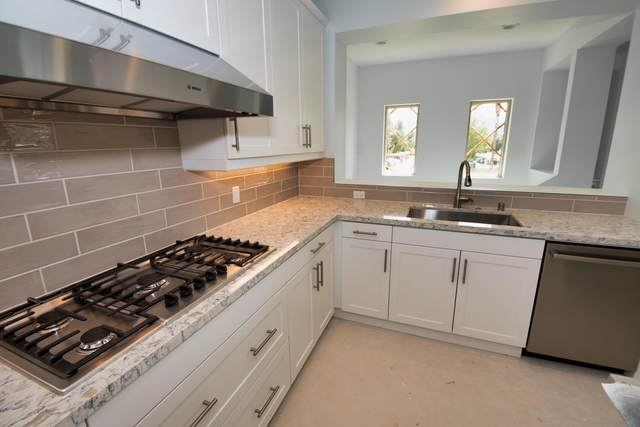 6383 Via Stasera, Palm Desert, CA 92260 (MLS #219041071) :: The John Jay Group - Bennion Deville Homes