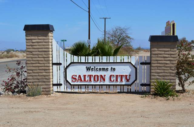 2580 Auburn Avenue, Salton City, CA 92275 (#219054355) :: The Pratt Group