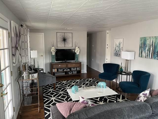 183 Malibu Drive, Palm Springs, CA 92264 (MLS #219065570) :: Brad Schmett Real Estate Group