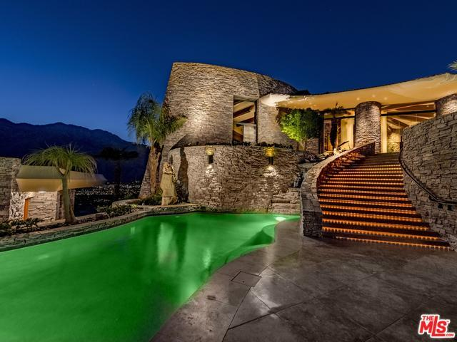 2399 Southridge Drive, Palm Springs, CA 92264 (MLS #15947247) :: Brad Schmett Real Estate Group