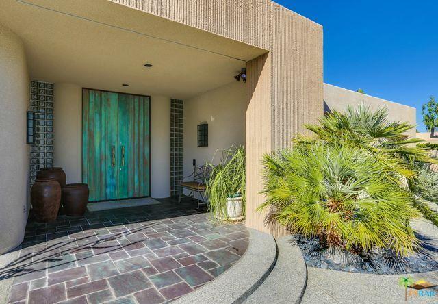 2331 S Caliente Drive, Palm Springs, CA 92264 (MLS #16181652PS) :: Brad Schmett Real Estate Group