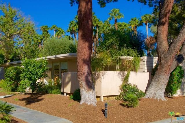 360 Cabrillo Road #205, Palm Springs, CA 92262 (MLS #17275222PS) :: Brad Schmett Real Estate Group
