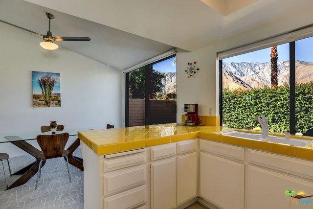 2722 N De Anza Road, Palm Springs, CA 92262 (MLS #17275256PS) :: The John Jay Group - Bennion Deville Homes