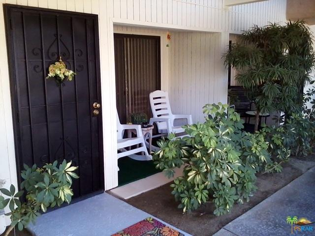 2800 E Los Felices Circle C105, Palm Springs, CA 92262 (MLS #17276862PS) :: Brad Schmett Real Estate Group