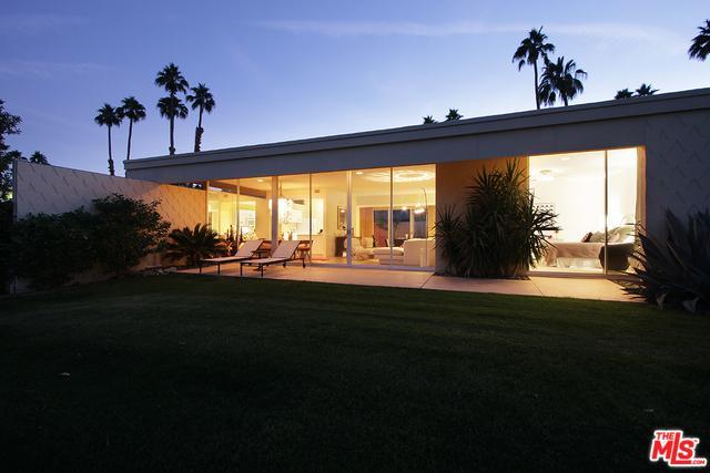 319 Westlake Terrace, Palm Springs, CA 92264 (MLS #17278296) :: Brad Schmett Real Estate Group