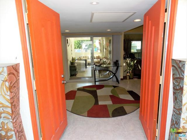 1637 Miramar Plaza, Palm Springs, CA 92264 (MLS #17281218PS) :: The John Jay Group - Bennion Deville Homes