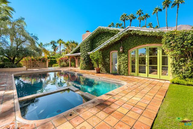 466 S Via Las Palmas, Palm Springs, CA 92262 (MLS #17281284PS) :: Brad Schmett Real Estate Group