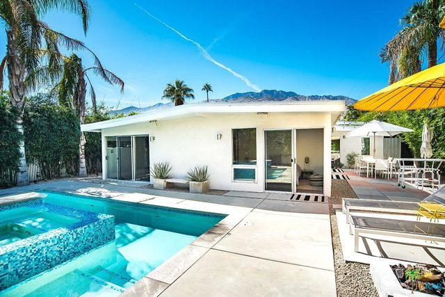 550 N Calle Marcus, Palm Springs, CA 92262 (MLS #17282354PS) :: Team Michael Keller Williams Realty