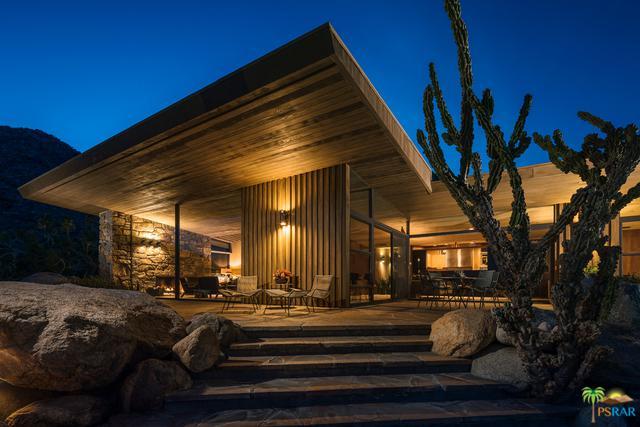 1030 W Cielo Drive, Palm Springs, CA 92262 (MLS #17282364PS) :: Brad Schmett Real Estate Group