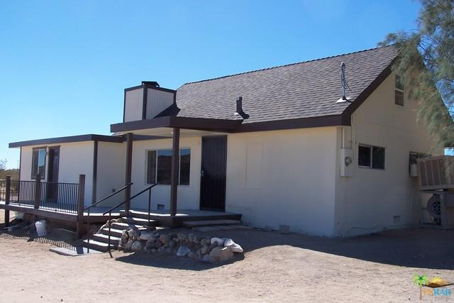 3639 Dusty Mile Road, Landers, CA 92285 (MLS #17283614PS) :: The John Jay Group - Bennion Deville Homes