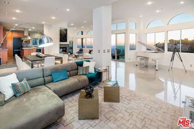 8435 Franklin Avenue, Los Angeles (City), CA 90069 (MLS #17290308) :: The John Jay Group - Bennion Deville Homes
