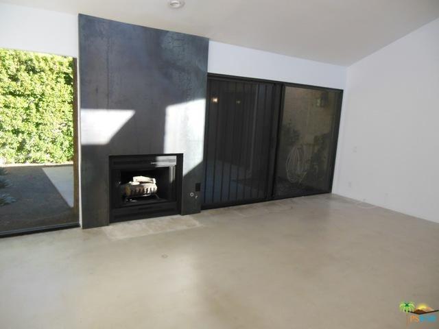 1652 S Cerritos Drive B, Palm Springs, CA 92264 (MLS #17290450PS) :: Brad Schmett Real Estate Group