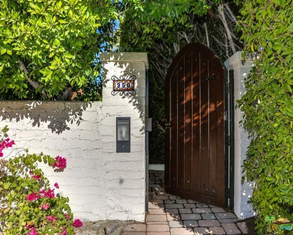 350 Camino Sur, Palm Springs, CA 92262 (MLS #17290478PS) :: Brad Schmett Real Estate Group