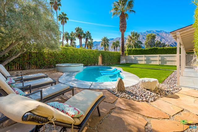 1288 E San Jacinto Way, Palm Springs, CA 92262 (MLS #17294636PS) :: Brad Schmett Real Estate Group