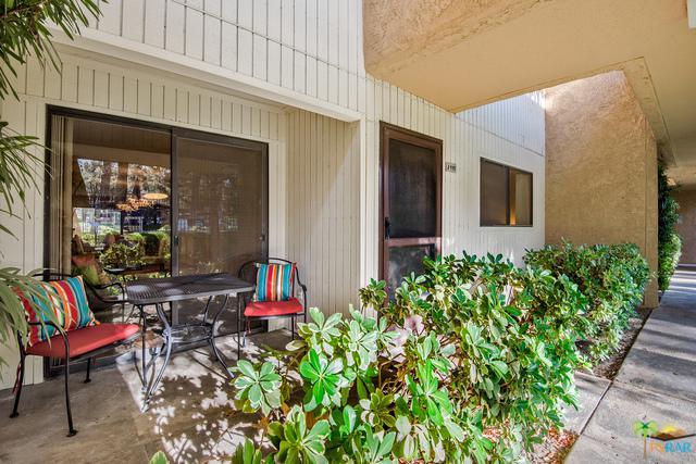 675 N Los Felices Circle #115, Palm Springs, CA 92262 (MLS #17294656PS) :: Brad Schmett Real Estate Group