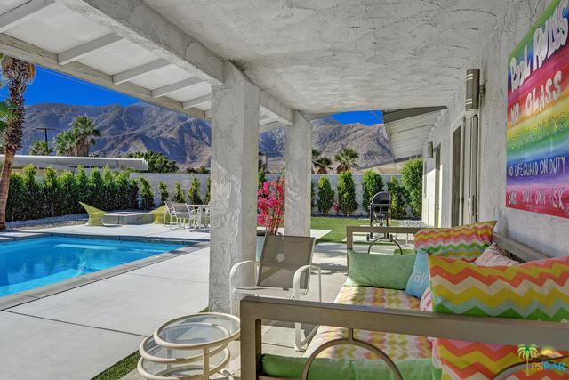 303 E San Rafael Drive, Palm Springs, CA 92262 (MLS #17294876PS) :: Brad Schmett Real Estate Group