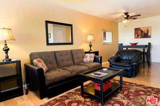 675 N Los Felices Circle #210, Palm Springs, CA 92262 (MLS #17296062) :: Brad Schmett Real Estate Group