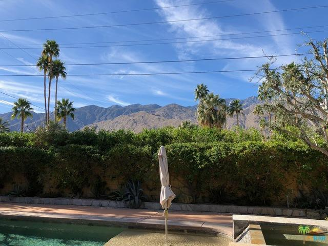 1475 S Paseo De Marcia, Palm Springs, CA 92264 (MLS #17296174PS) :: The John Jay Group - Bennion Deville Homes