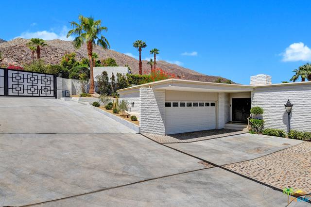 2320 W Cantina Way, Palm Springs, CA 92264 (MLS #17298602PS) :: Brad Schmett Real Estate Group