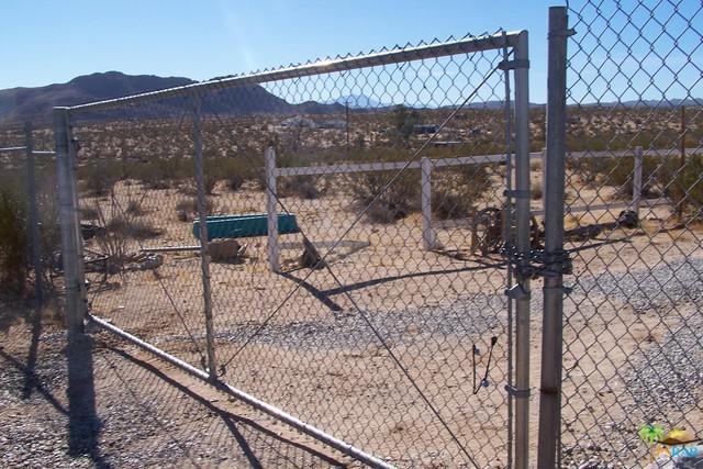 2852 Foxy Flats Road, Joshua Tree, CA 92252 (MLS #17298668PS) :: The John Jay Group - Bennion Deville Homes