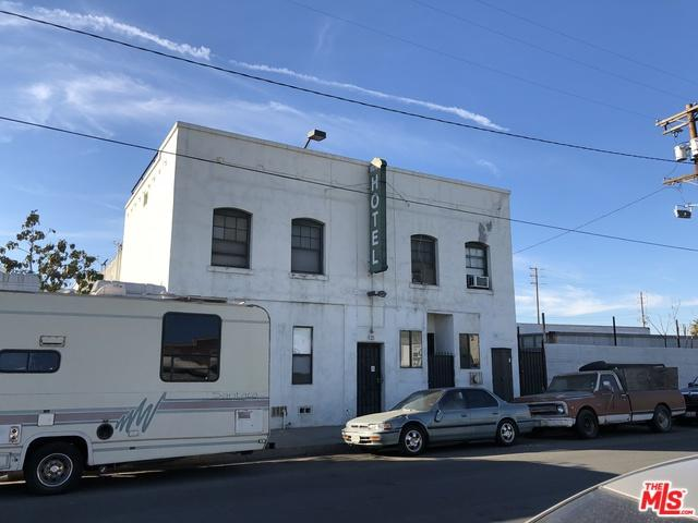 821 Flint Avenue, Wilmington, CA 90744 (MLS #18299188) :: Deirdre Coit and Associates