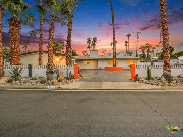 1329 S Riverside Drive, Palm Springs, CA 92264 (MLS #18304966PS) :: Brad Schmett Real Estate Group