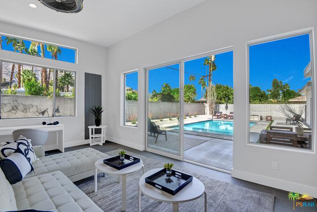 1321 S Calle Rolph, Palm Springs, CA 92264 (MLS #18305528PS) :: The John Jay Group - Bennion Deville Homes