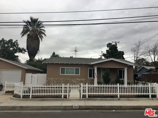 711 S Vicentia Avenue, Corona, CA 92882 (MLS #18305890) :: Deirdre Coit and Associates