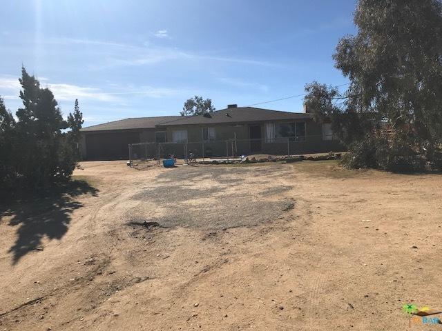 59163 Desert Gold Drive, Yucca Valley, CA 92284 (MLS #18308002PS) :: Team Wasserman