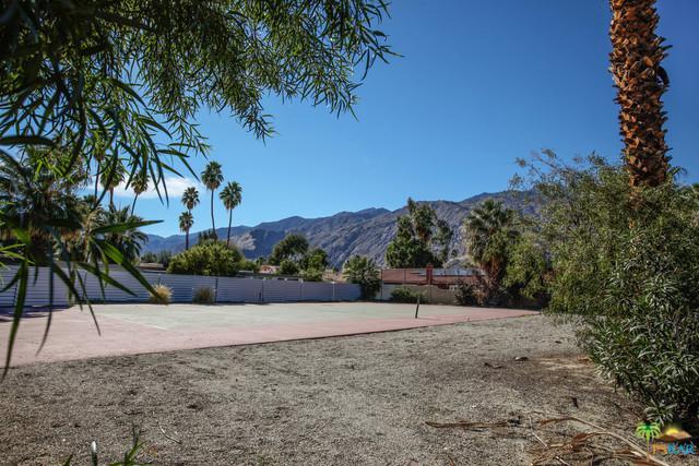 1131 E Via Colusa, Palm Springs, CA 92262 (MLS #18308664PS) :: Brad Schmett Real Estate Group