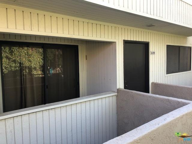 2810 N Arcadia Court A210, Palm Springs, CA 92262 (MLS #18309590PS) :: The John Jay Group - Bennion Deville Homes