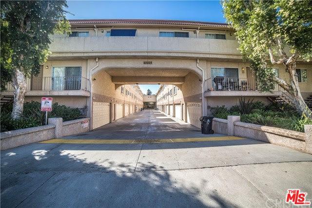 10215 Variel Avenue #17, Chatsworth, CA 91311 (MLS #18310632) :: Hacienda Group Inc