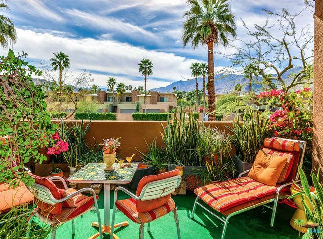 930 E Palm Canyon Drive #202, Palm Springs, CA 92264 (MLS #18311518PS) :: Deirdre Coit and Associates