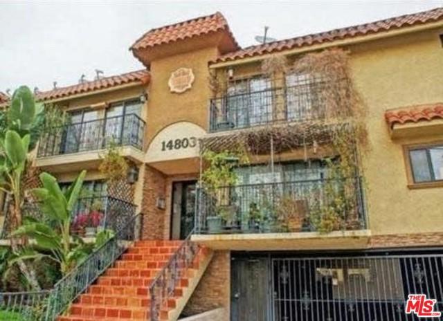 14803 Vanowen Street #9, Los Angeles (City), CA 91405 (MLS #18314650) :: The John Jay Group - Bennion Deville Homes