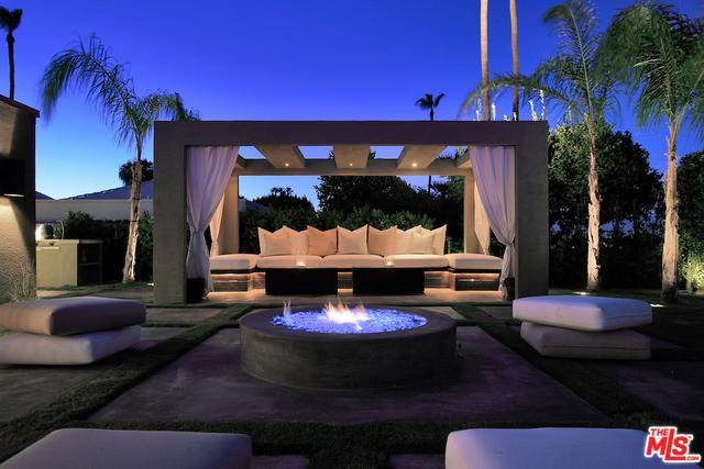 2408 S Yosemite Drive, Palm Springs, CA 92264 (MLS #18316600) :: Brad Schmett Real Estate Group
