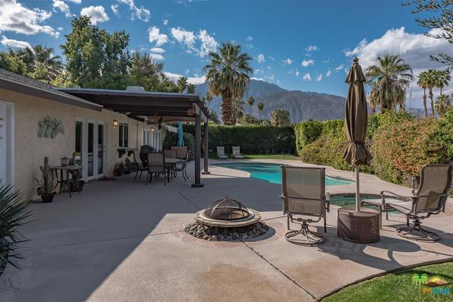 3508 E Escoba Drive, Palm Springs, CA 92264 (MLS #18316644PS) :: The John Jay Group - Bennion Deville Homes