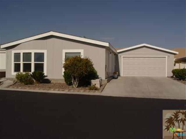 69525 Dillon Road #124, Desert Hot Springs, CA 92241 (MLS #18316908PS) :: Brad Schmett Real Estate Group