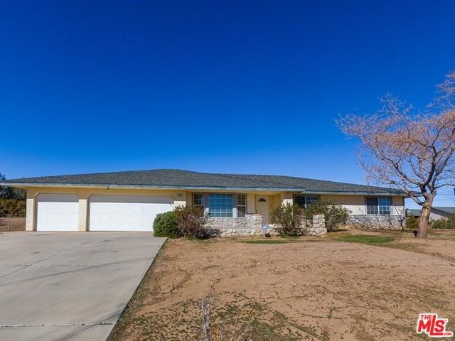 7400 Oakwood Avenue, Hesperia, CA 92345 (MLS #18317214) :: Hacienda Group Inc