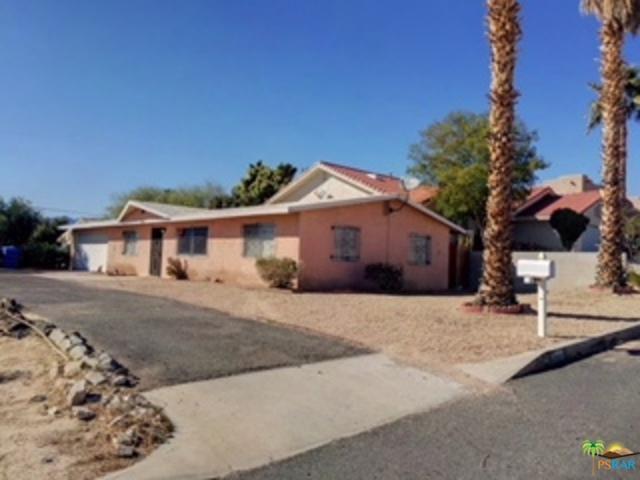 11305 Ambrosio Drive, Desert Hot Springs, CA 92240 (MLS #18317238PS) :: Brad Schmett Real Estate Group