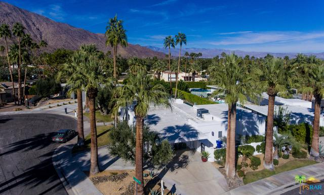 1350 Fuego Circle, Palm Springs, CA 92264 (MLS #18317938PS) :: The John Jay Group - Bennion Deville Homes