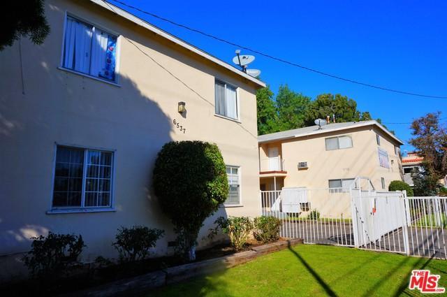 6537 Woodley Avenue, Van Nuys, CA 91406 (MLS #18318556) :: Team Wasserman