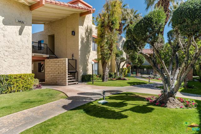 1421 N Sunrise Way #25, Palm Springs, CA 92262 (MLS #18318672PS) :: The John Jay Group - Bennion Deville Homes