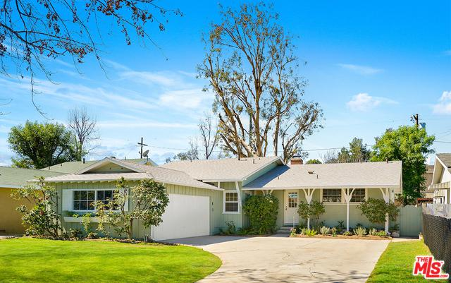 7667 Chisholm Avenue, Van Nuys, CA 91406 (MLS #18319066) :: The John Jay Group - Bennion Deville Homes