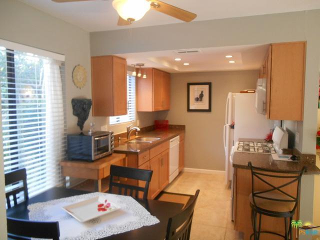 340 E San Jose Road #103, Palm Springs, CA 92264 (MLS #18319278PS) :: The John Jay Group - Bennion Deville Homes