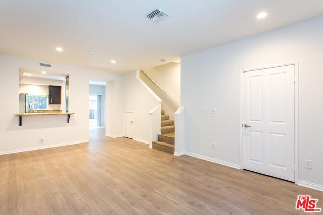 10918 Morrison Street #5, North Hollywood, CA 91601 (MLS #18319370) :: The John Jay Group - Bennion Deville Homes