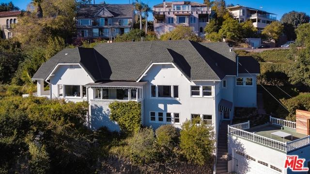 2338 Hollyridge Drive, Los Angeles (City), CA 90068 (MLS #18319770) :: The John Jay Group - Bennion Deville Homes