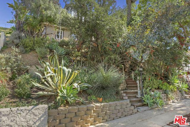 1358 El Paso Drive, Los Angeles (City), CA 90065 (MLS #18320058) :: The John Jay Group - Bennion Deville Homes