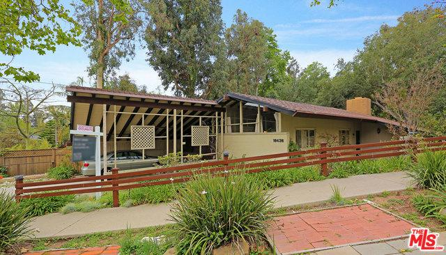 16426 Akron Street, Pacific Palisades, CA 90272 (MLS #18320270) :: The John Jay Group - Bennion Deville Homes