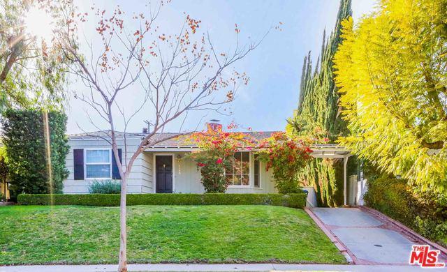 4145 Kraft Avenue, Studio City, CA 91604 (MLS #18320310) :: The John Jay Group - Bennion Deville Homes
